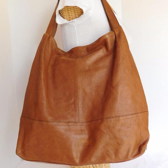 Banana Republic Handbags - BANANA REPUBLIC BROWN LARGE SOFT LEATHER TOTE BAG e117a78842755