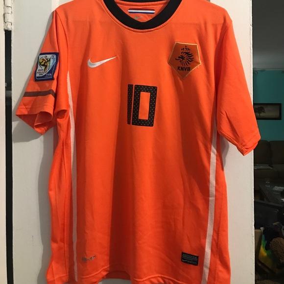 211457b4dc4 Men s Nike Netherlands 2010 World Cup Jersey. M 5a064f1e713fde39100a1e1d