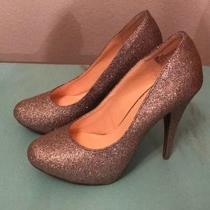 NEW Gold Sparkle Heels