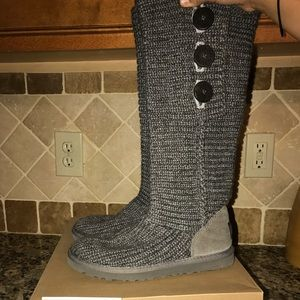 💯 Auth UGG classic cardy tall grey