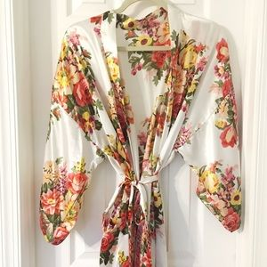 Other - ✨NEW || Etsy • Silk Floral Robe