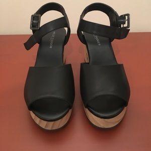 Chunky heeled Kelsi Dagger Brooklyn clog sandals