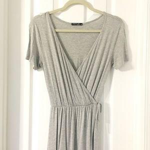 Dresses & Skirts - Lovely Grey Maxi Dress
