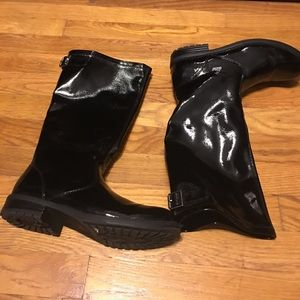 boots with the zipper