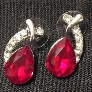 Jewelry - Ruby Red Crystal Rhinestone Silver Pendant Earring