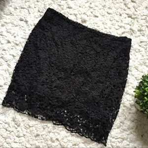 Dresses & Skirts - cute black mini skirt