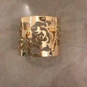 Jewelry - Rose cutout gold cuff bracelet NEW