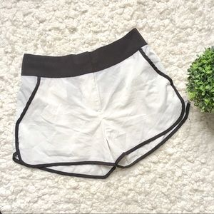 Pants - Black and White Shorts