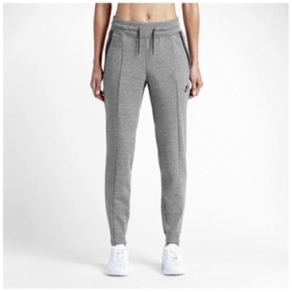 700839b90638e Nike Pants | Tech Fleece Womens Sz L 803575092 | Poshmark