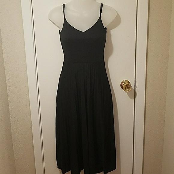 514cd3c8a0658 ASOS Dresses | Black V Neck Pleated Sleeveless Midi Dress | Poshmark