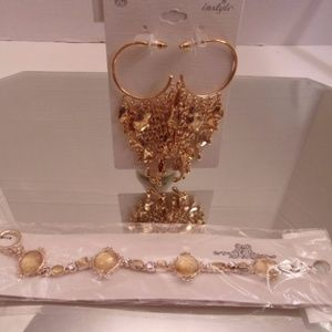 NWT EARRINGS & BRACELET RETAIL $31 C25