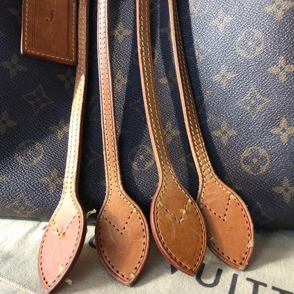 a455fc9b7c43b Louis Vuitton Handbags - Louis Vuitton neverfull MM handles straps replace