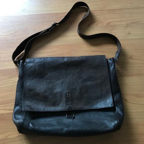 Banana Republic Bags   Leather Messenger Bag   Poshmark e15f1345af