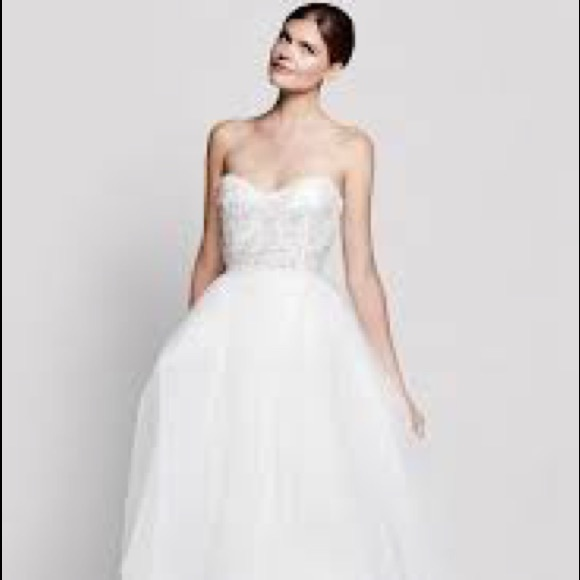 Reem Acra Dresses | New Ivy Strapless Tulle Wedding Gown | Poshmark
