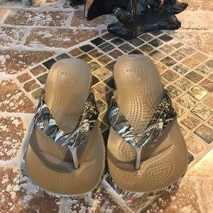 Crocs 📍 size 6.