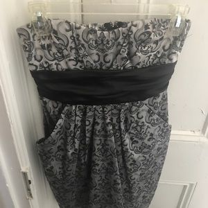 Dresses & Skirts - Black and gray short fancy dress!