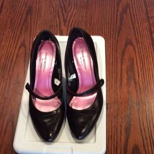 Isaac Mizrahi Brown Pumps