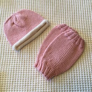 Boutique bamboo fiber infant hat and leg warmers