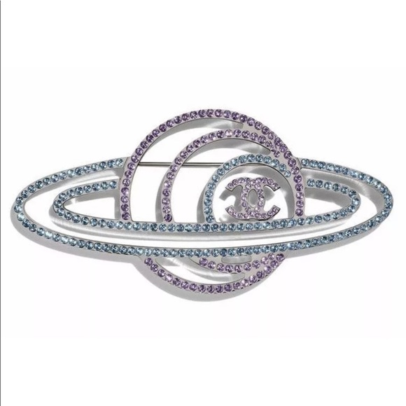 Chanel Runway 2017 Saturn pin (Galáctica)
