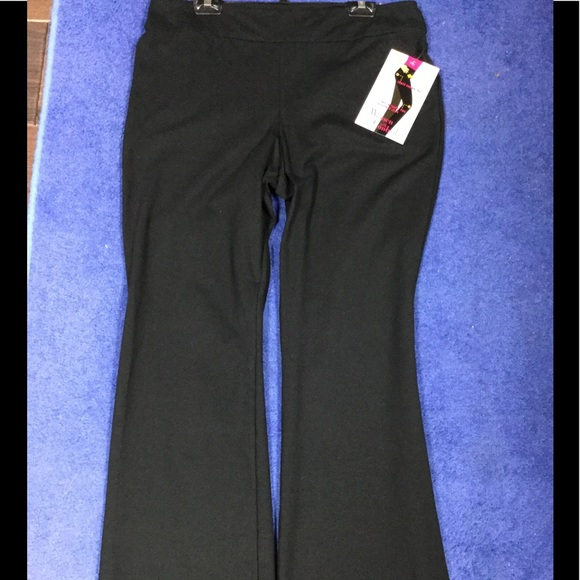 8cc10853fc8 Woman with Control pants