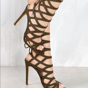 Shoes - MOST IRRESISTIBLE LOLA SHOETIQUE HEELS🔥