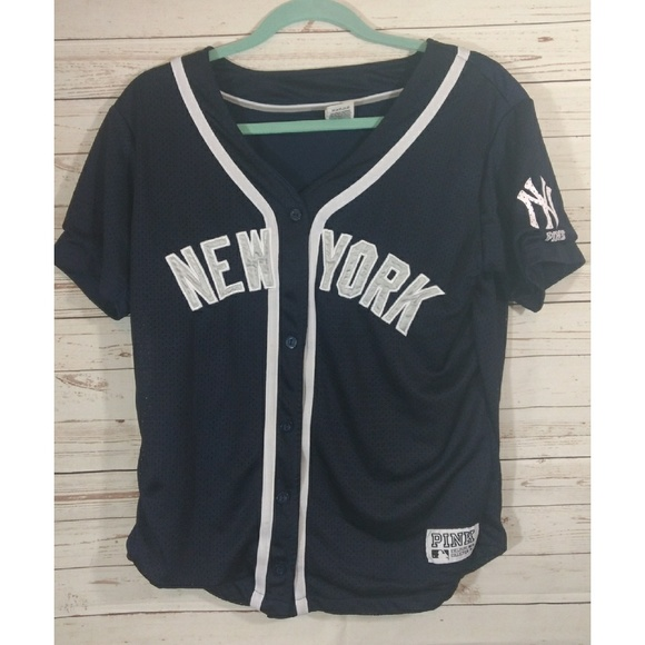 2a597622a9 VICTORIA SECRET PINK MLB New York Yankees Jersey. M 5a073e43620ff7d6670d17d0
