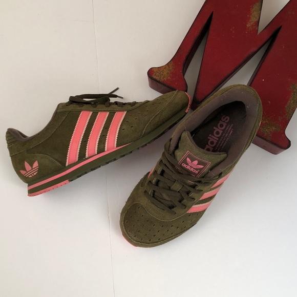 Adidas zapatos Rare 06 Khaki verde Suede PINK STRIPES poshmark