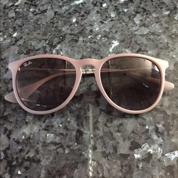 2f24e30479 Ray-ban Erika sunglasses in dark rubber sand. M 5a074464fbf6f97595089083