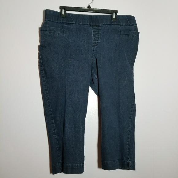 c2b305bd ... women's plus size capri denim legging. Lee. M_5a07444ebcd4a7a9c20d3478.  M_5a074454eaf0303bbf0d2e34. M_5a07445b522b454b600d1e95