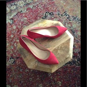 BEAUTIFUL RED SUEDE HEELS! 👠👠👠