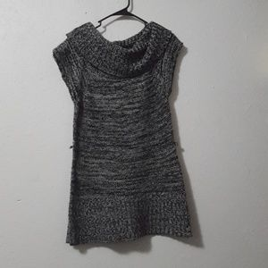 Rue21 Grey and White Crowl Neck Sweater