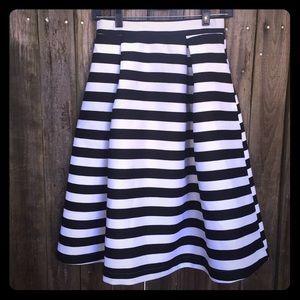 Classy striped skirt🎄