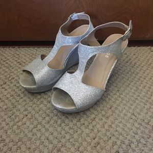 Rampage Wedge Silver Sparkle Party Shoes