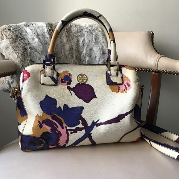 b7f9e3716c4 Tory Burch Robinson Middy satchel bag. M 5a07592f6d64bca0960da048