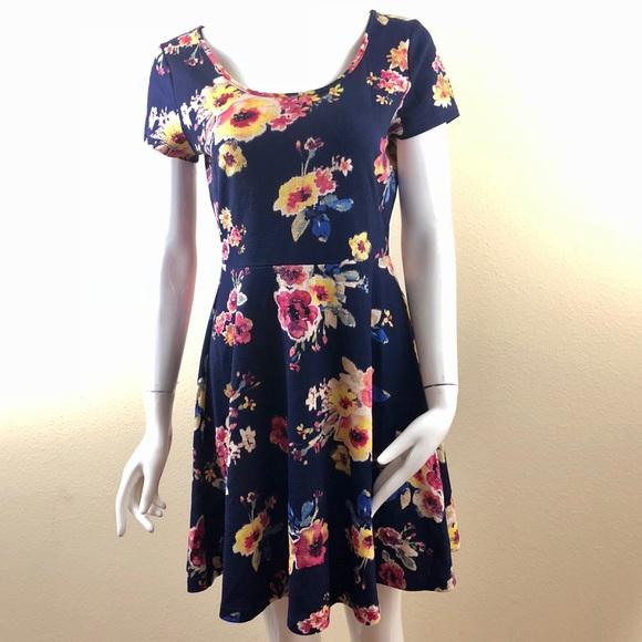 2aa77744b9b ... Nordstrom) Medium Navy Floral Dress. M 5a07614536d5945f350dac0a