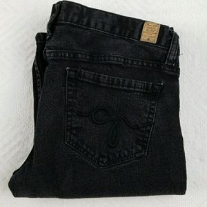 Vintage Guess jeans  32in long  7 1/2 in rise, 98%