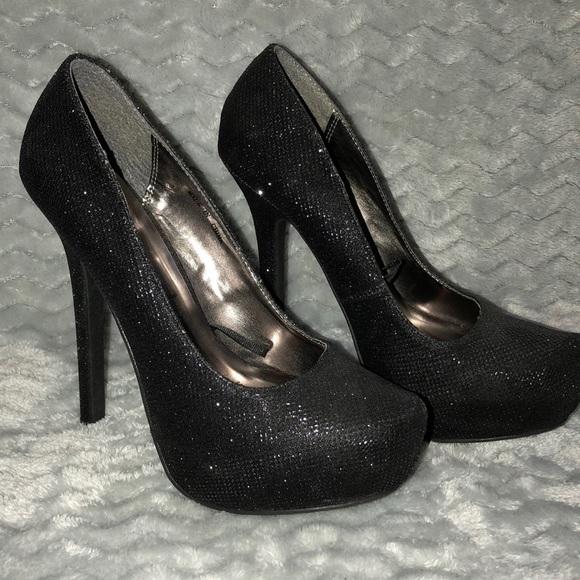 ca06abde75e Forever 21 black sparkle heels