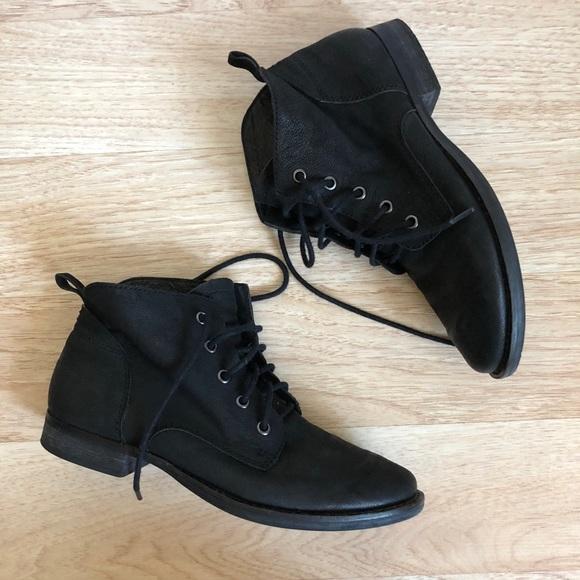 0a329dfa1dfb3 Sam Edelman Mare Lace Up Ankle Boots in Black. M 5a07789d6d64bca0960e3a82