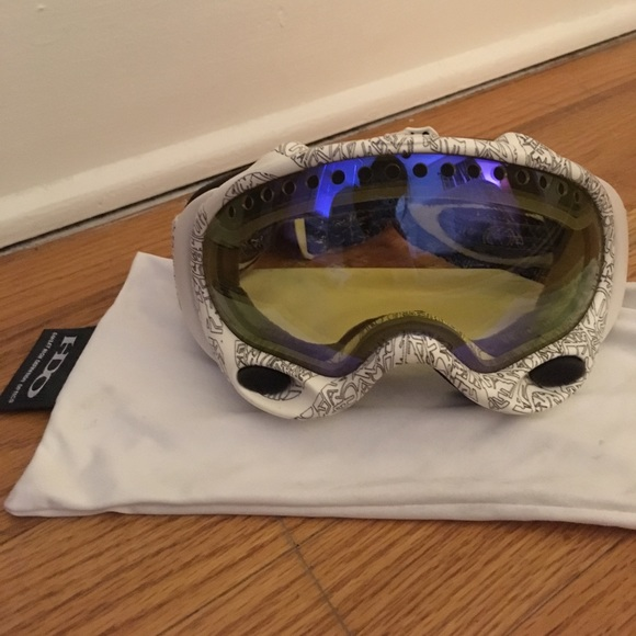 cf5af00b76c ... ski goggles by Oakley. M 5a077b8641b4e096fa0e45b6. Other Accessories ...