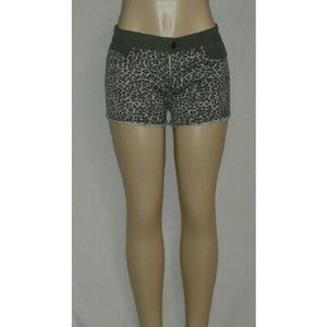 Pants - Gray Leopard Shorts With Denim Olive Design