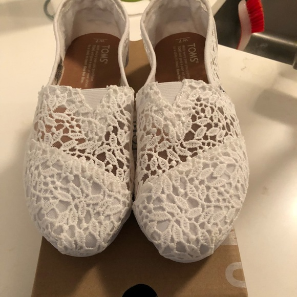 5ef953e1 Toms White Lace Leaves Women's Classics. M_5a078600f0137dfb8c0e5148