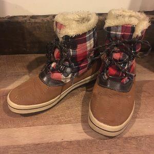 Shoes - Plaid duck boots