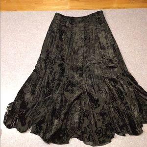 Feminine flocked Paisley Black Velvet Skirt