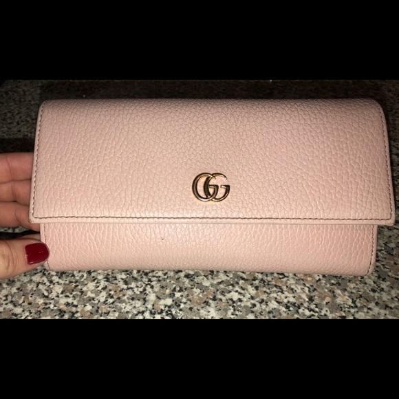 760744fa Baby pink Gucci Wallet