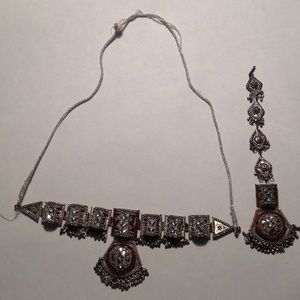 Jewelry - 2 piece necklace set from the Middle East hair.