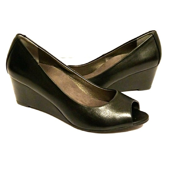 798efcffaa0 Vionic orthopedic wedges size 7.5. M 5a0795a341b4e096fa0ec323. Other Shoes  ...