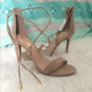 Lulu's Romy, Lace-Up Heels Size 8.5