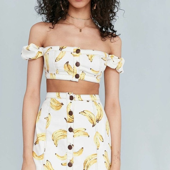 e69f49c0b66fc Cooperative tops off the shoulder banana crop top urban outfitters jpg  580x580 Banana crop top