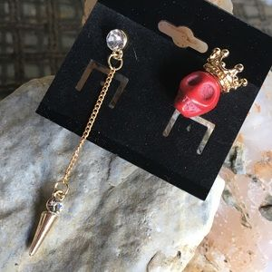 Jewelry - Crowned red skull 💀 and rhinestone pendulum studs