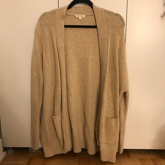 a300caf99c BNWOT Cream Colored Knit Cardigan Sweater. M 5a079ddc78b31cb0ed0ee210